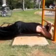 Reverse T-bar dips street workout